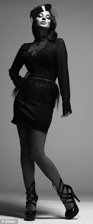 بالصور العارضة الحسناء توليسيا تستعرض منحنياتها بالابيض والأسود - صور توليسيا 2013 - صور العارضة توليسيا 2013