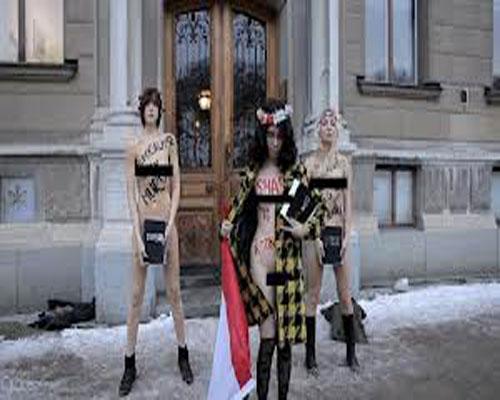 من هي علياء المهدي-تعرف علي الشابة المصرية علياء المهدي-علياء المهدي تتعري امام السفارة المصرية بالسويد بالصور و الفيديو