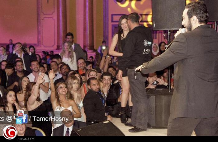 صور تامر حسني و زوجته 2013 - شاهد صور تامر حسني في راس السنة و زوجته بسمة بوسيل 2013 - زوجه تامر حسني بزي بابا نويل 2013
