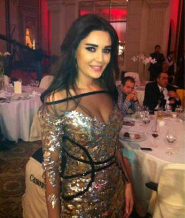 بالصور سيرين عبد النور تتالق بفستان جميل وتسحر الحضور فى مهرجان بيروت 2012