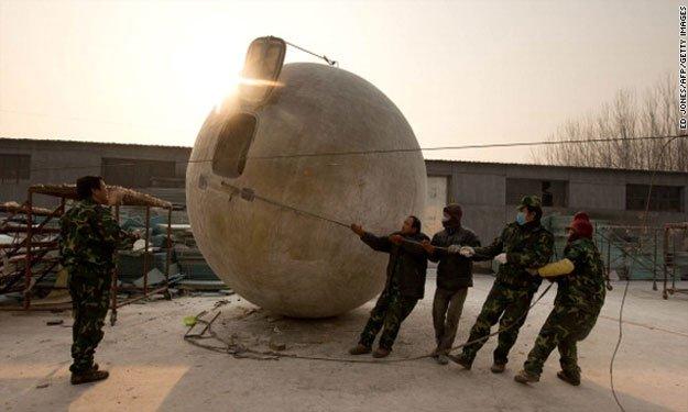 بالصور،كيوان الصيني يصنع 'سفينة نوح' استعدادًا لنهاية العالم، صور سفينة نوح
