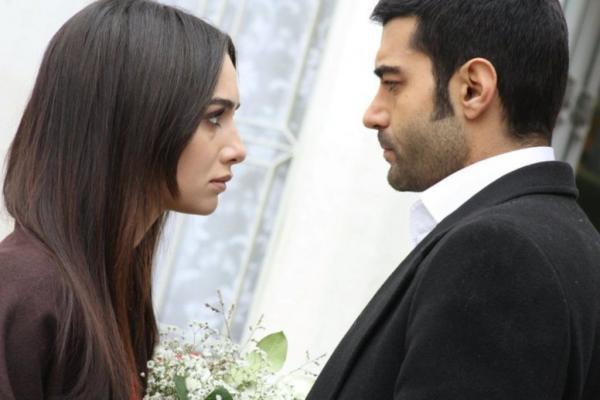 التركي ماهر يعلن طلاقه زوجته